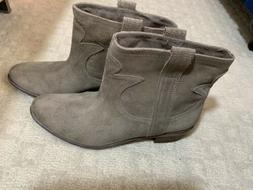 Lucky Brand Beige Tan Cowboy Boots Size 8.5 Suede Womens Ank